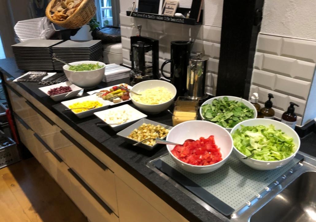 Kleines Salatbuffet _ First Location Events
